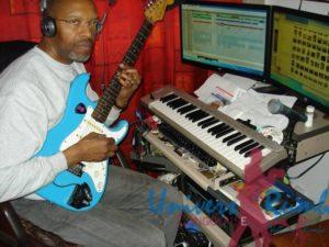 Fred Kitenge Mahole au studio